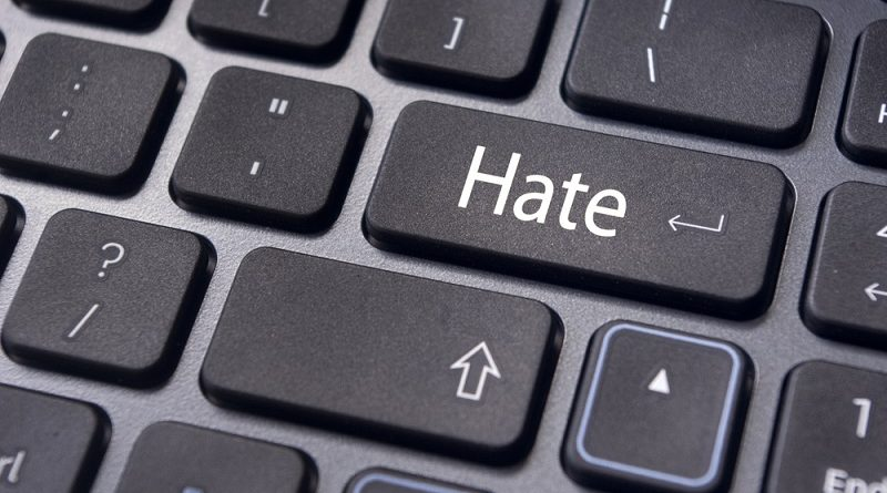 Eu harkitsee uutta lainsäädäntöä vihapuhumisen karsimiseen