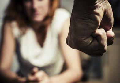 Perheväkivallan uhrit – Kun lapsi katsoo äitinsä kärsivän.