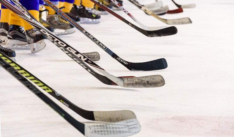 NHL-kausi jatkuu jännittävästä tilanteesta